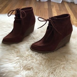 ❤️Gorgeous Burnt Red Suede Booties❤️